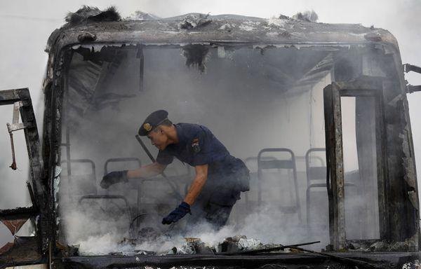 sem99-Z31-Djakarta-Bus-Incendie.jpg