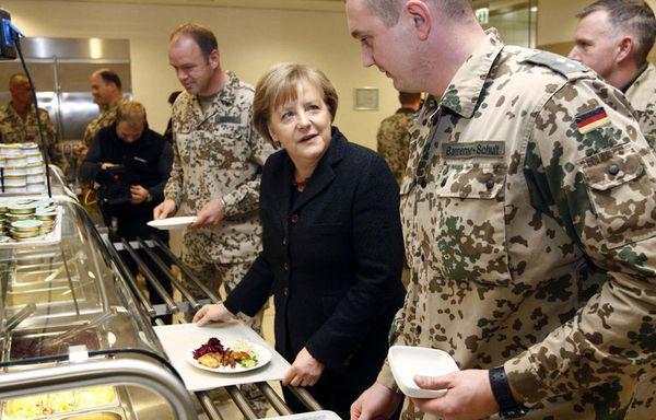 sem102-Z1-Angela-Merkel-Afghanistan.jpg