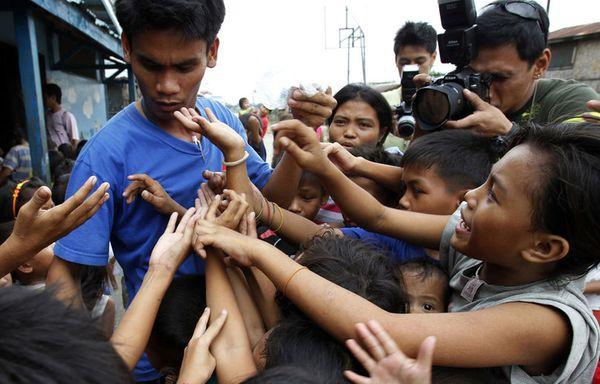 sem11jd-Z9-enfants-bidonville-philippines.jpg