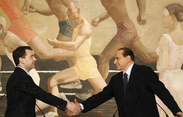 sem11fe-Z9-Berlusconi-Medvedev-rome.jpg