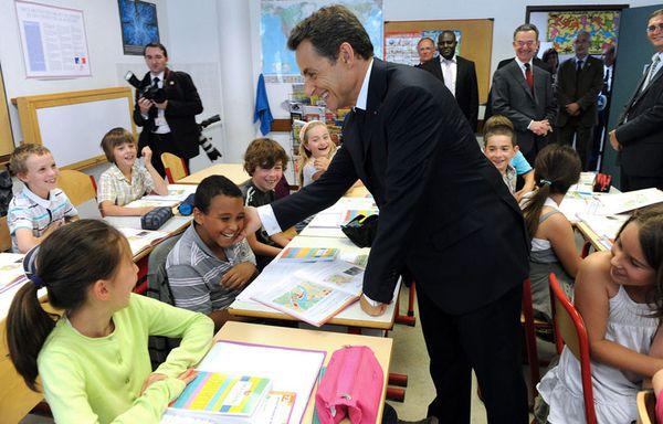 sem11juf-Z36-Sarkozy-a-l-ecole.jpg