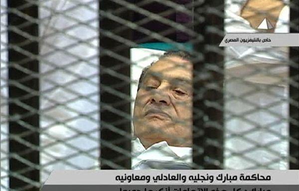 hosni-moubarak-box-des-accuses.jpg