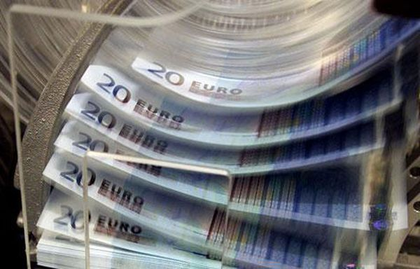 billets-euros-taxes-mutuelles-sante.jpg