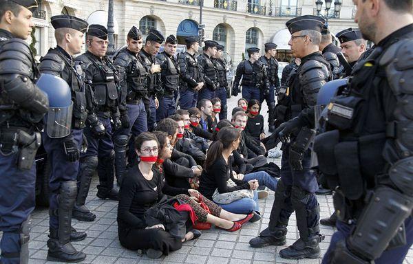 sem11sec-Z41-manifestation-Paris-ocntre-Paul-Kagame-Rwanda.jpg