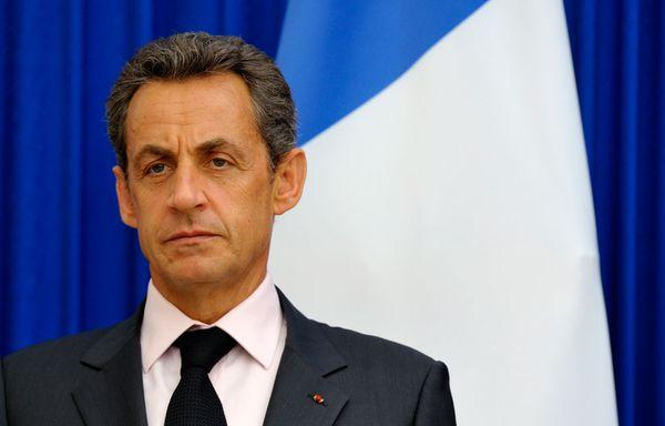 Nicolas-Sarkozy-face-a-la-crise-de-la-dette.jpg