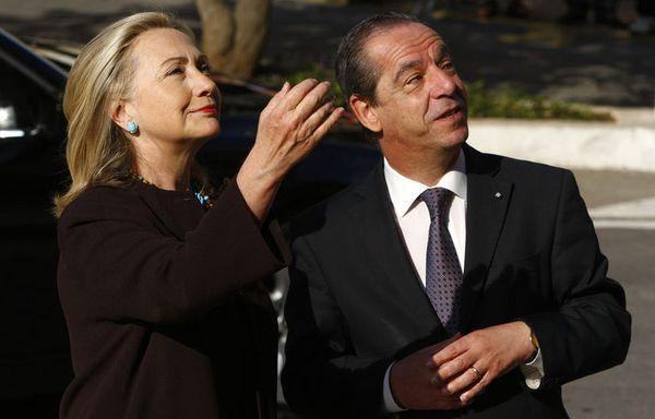 sem11octf-Z46-Hillary-Clinton-Lawrence-Gonzi-malte.jpg