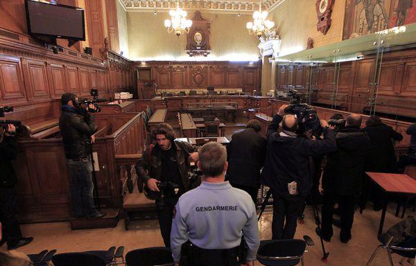 sem11novb-Z23-Proces-Carlos-tribunal-Paris.jpg