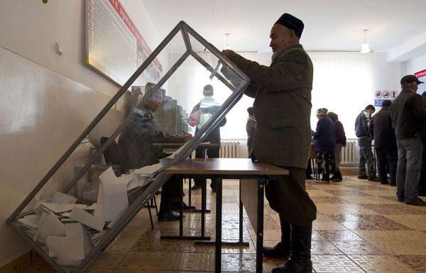 sem11octj-Z12-Le-Kirghizstan-elit-son-president.jpg