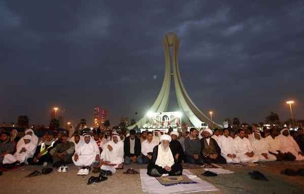 sem11fh-Z26-Place-de-la-Perle-Manama-bahrein.jpg