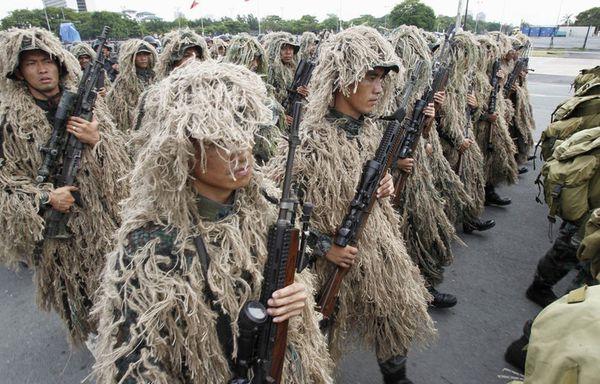 sem11juc-Z26-Philippines-defile-independance.jpg