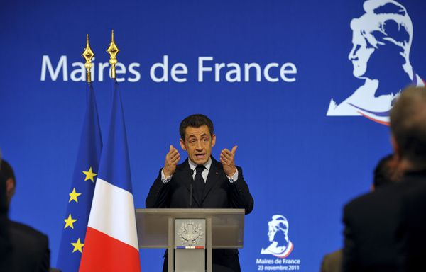 Nicolas-Sarkozy-devant-les-maires-non-au-vote-des-etrangers.jpg