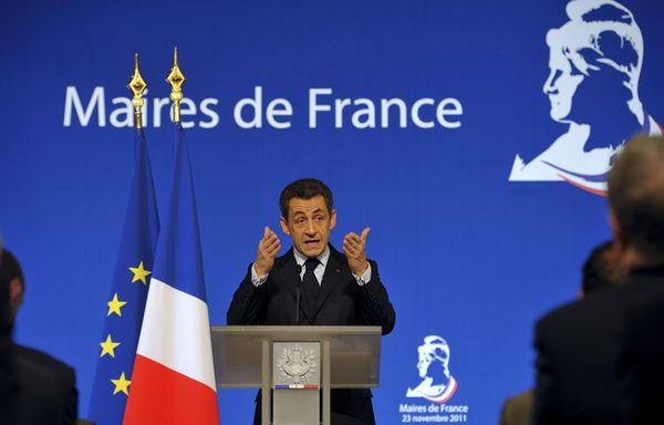 sem11novg-Z11-Nicolas-Sarkozy-devant-les-maires.jpg