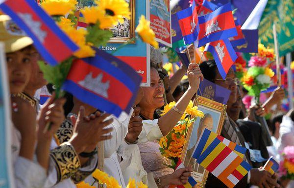 sem11octj-Z11-Cambodge-ceremonie-anniversaire-Norodom-Sihan.jpg