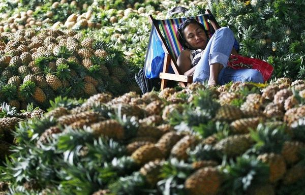 sem11deca-Z38-Marche-Phillipines-ananas.jpg