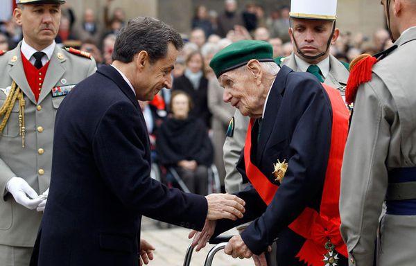 sem11novh-Z29-Sarkozy-Hommage-Helie-Denox-de-Saint-copie-1.jpg