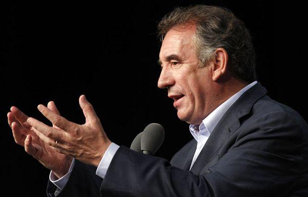 Francois-Bayrou-homme-libre-7-decembre-2011.jpg