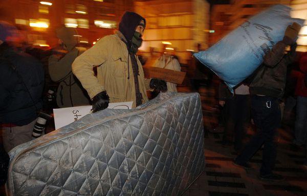 sem11decb-Z25-evacuation-Occupy-Boston.jpg
