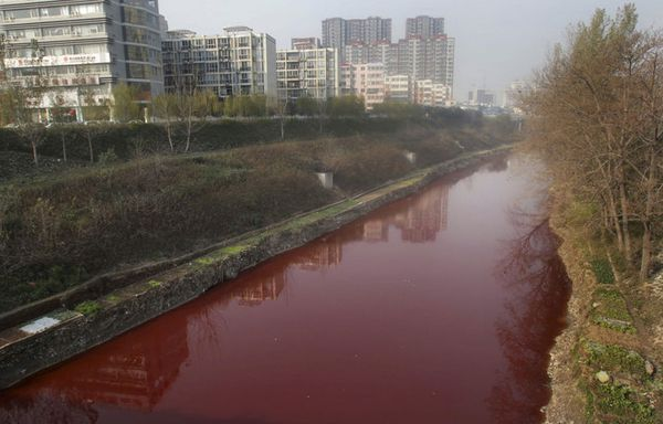 sem11decd-Z16-Riviere-rouge-Jianhe-Pollution-Chine.jpg