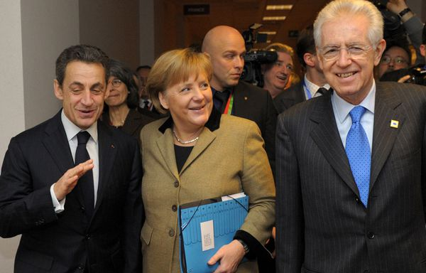 merkel-sarkozy-nouveau-pacte-budgetaire-europeen.jpg