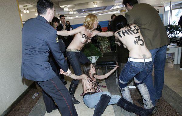 sem12mara-Z8-Femen-Moscou.jpg