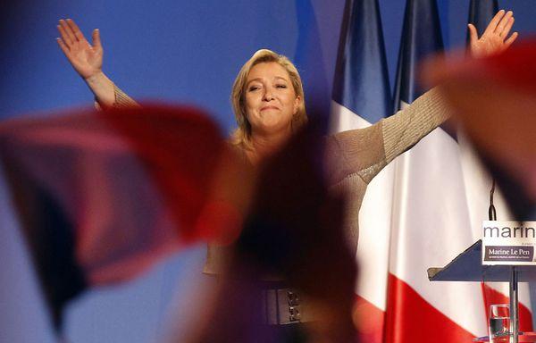 sem12mare-Z12-Marine-Le-Pen-contre-attaque.jpg