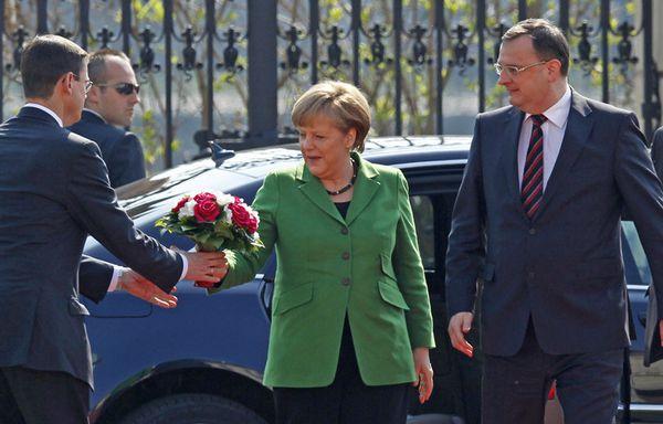 sem12mari-Z34-Angela-Merkel-a-Prague.jpg