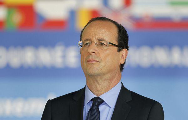 Francois-Hollande-garde-le-cap.jpg