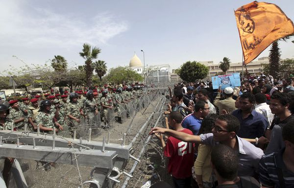 sem12avrh-Z24-Manifestations-au-Caire.jpg