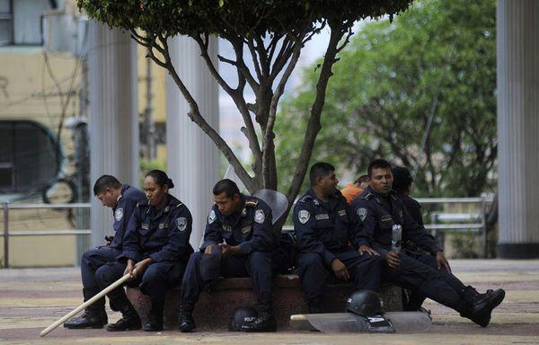 sem12maia-Z13-Manifestation-calme-Honduras.jpg