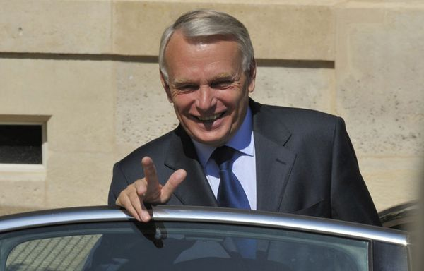 sem12maii-Z6-Jean-Marc-Ayrault-sortie-Conseil-des-Ministres.jpg