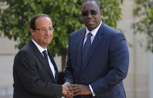 sem12octb-Z26-Francois-Hollande-et-le-president-senegalais-.jpg