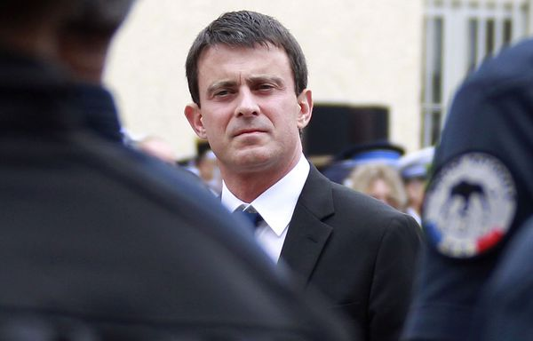 Manuel-Valls-veut-retour-du-matricule-policiers.jpg