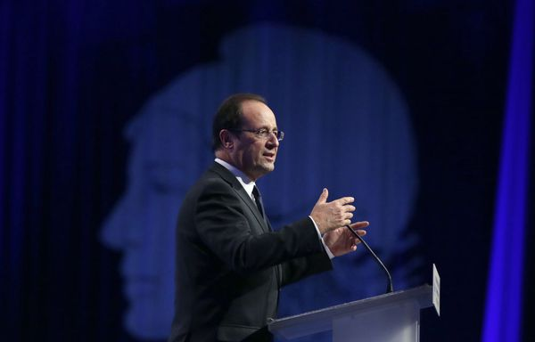 Francois-Hollande-congres-des-maires-de-France