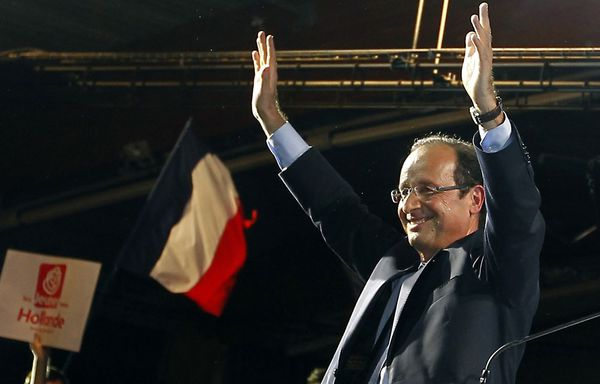 Francois-Hollande-meeting-Merignac.jpg