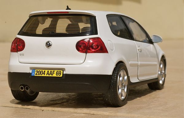 VW GOLF GTI COUPE BLANC NOREV26