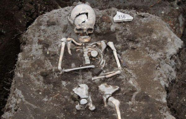 648x415_pieu-metal-plante-emplacement-coeur-homme-dont-tomb.jpg