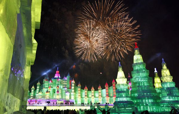 chine-feu-d-artifice-sculptures-de-glace_pics_809.jpg