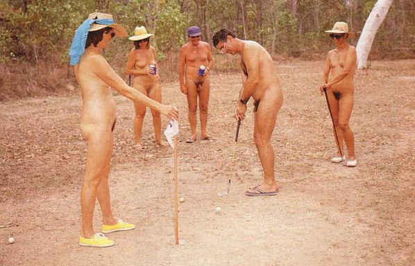 NUDISM_FAMILY-copie-1.jpg