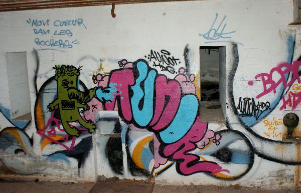 010 graffitis blockhaus la pointe de la coubre 2010