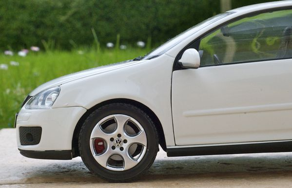 VW GOLF GTI COUPE BLANC NOREV05