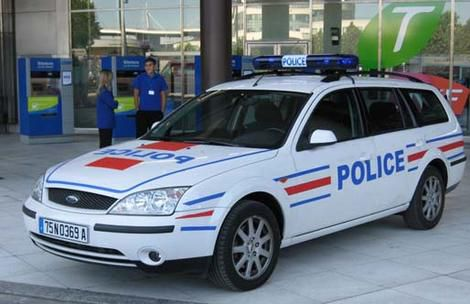 voiture-police-ford.jpg