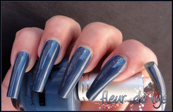 Kinetics My blue heaven swatch