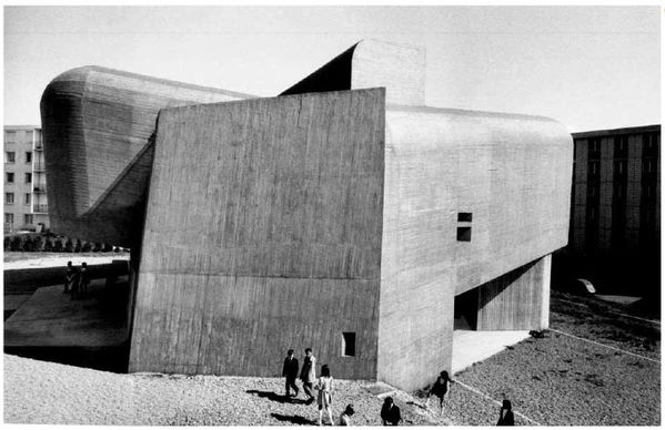 Claude Parent1