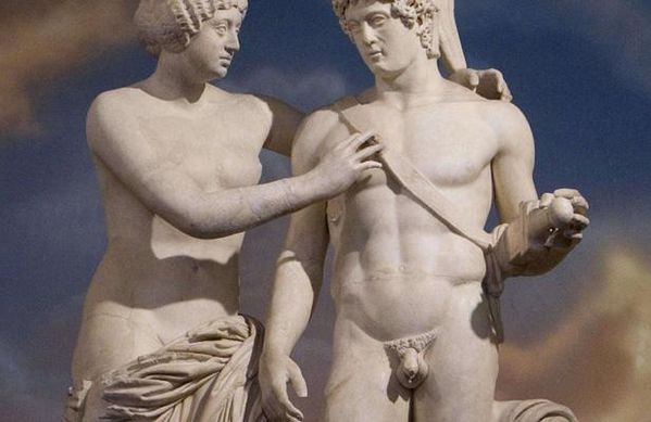 Statue-de-Venus-et-Mars.jpg