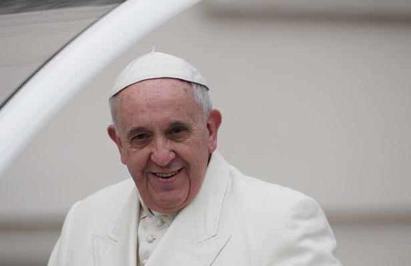 Pape-Francois-au-vatican.jpg