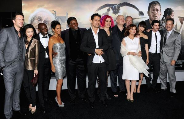 Premiere-Warner-Bros-Pictures-Cloud-Atlas-Fa1uKijQVSFx.jpg