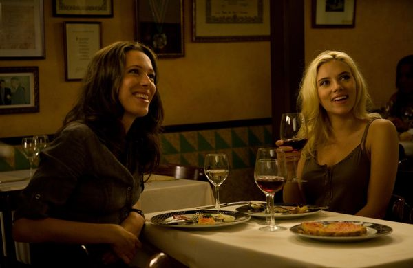 15571_vicky_cristina_barcelona_screen_dinner.jpg
