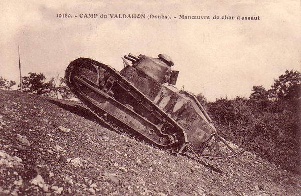 Valdahon camp-10 char d'assaut