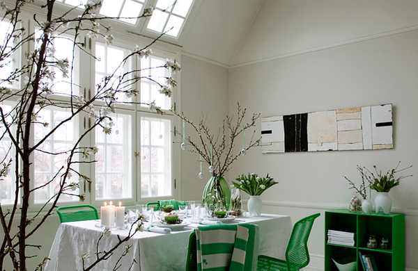 green-table-decoration-for-easter.png