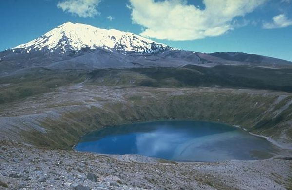 Lower-Tama-lake-NE-flank-ruapehu---Jim-cole.jpg